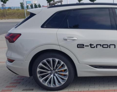 A vítězem je – Audi e-tron !