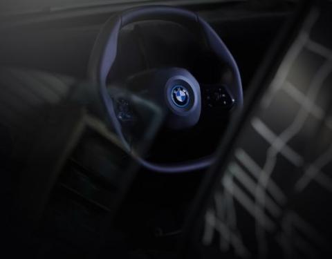 Polygonální volant BMW iNEXT