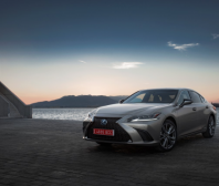 V testu ADAC zvítězil Lexus ES se spotřebou 4,3 litrů