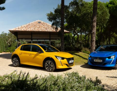 Nový Peugeot 208 ve finále Car of the Year 2020