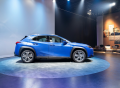LEXUS představuje svůj první elektromobil UX 300E