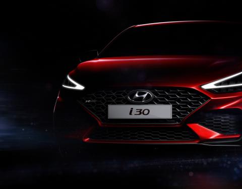 Hyundai zveřejnil první fotografie nového modelu i30