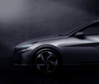 Hyundai pomalu odhaluje zcela nový model Elantra
