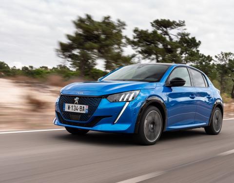 """Šest vozů Peugeot s titulem """"Car Of The Year"""""""