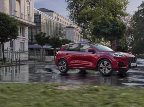 Nový Ford Kuga, sportovně laděné SUV, přichází na český trh
