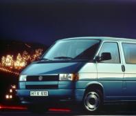 30 let Transporteru T4