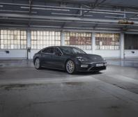 Porsche uvádí nová provedení modelu Panamera o výkonu až 700 PS