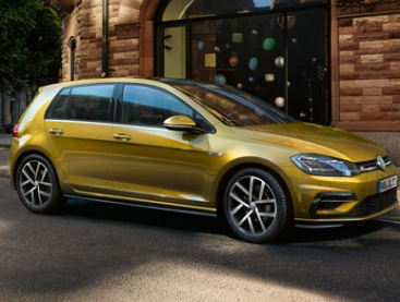Vyhraj Volkswagen Golf na půl roku