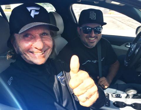 Závodní legenda Emerson Fittipaldi v zajetí modelu Stinger