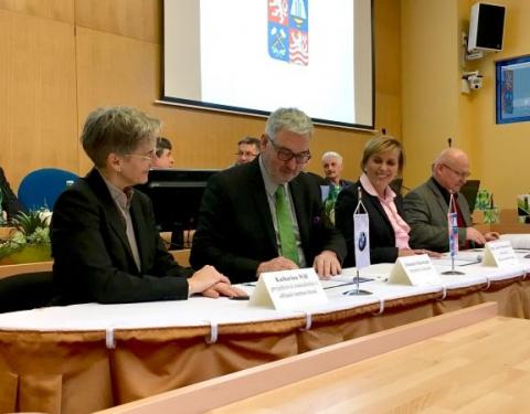 Smlouva o vzniku zkušebního centra BMW Group nedaleko Sokolova podepsána