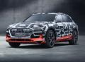 Audi A6 a prototyp Audi e-tron na Ženevském autosalonu