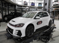 Milník: Stý vůz Golf GTI TCR předán v Autostadtu